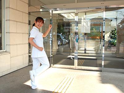 敬仁病院の玄関