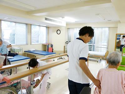 国分寺内科中央病院のリハ室