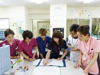 国分寺内科中央病院のナースステーション