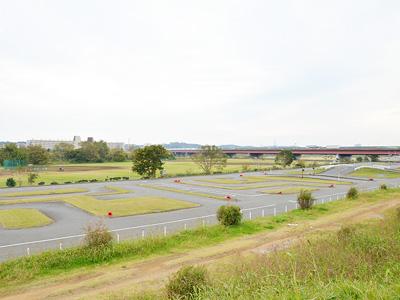ホスピア玉川の施設前の風景