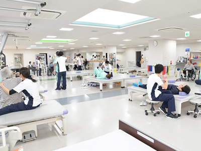 リハビリホーム花はたの併設病院のリハビリ室