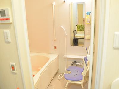 ガーデンフィールズ竹の塚の個浴の浴室
