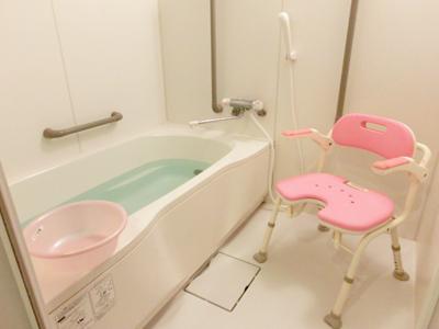 入居者様のお身体の状況に合わせて、プライバシーに配慮した個浴も完備しています。