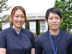 グリーンビレッジ安行の介護スタッフ(左)入職12年目 介護スタッフ(右)入職10年目